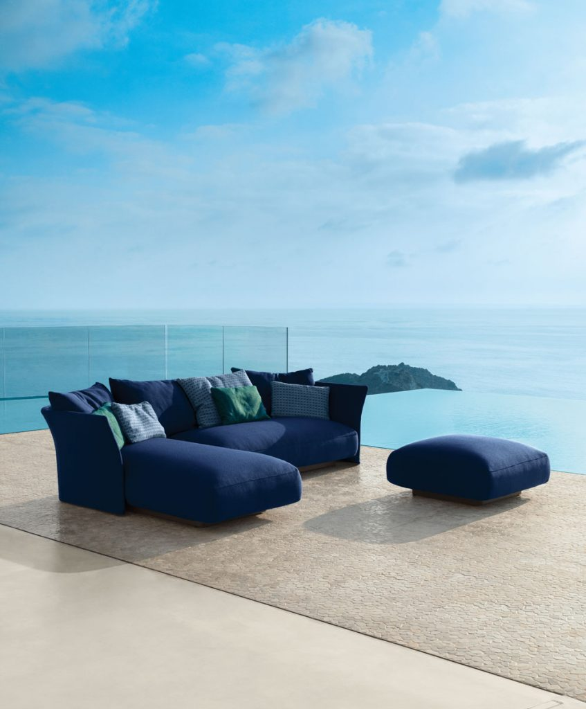 The extreme versatility of TALENTI's Cliff Collection has its maximum expression in the modular sofa. (en.talentisrl.com)